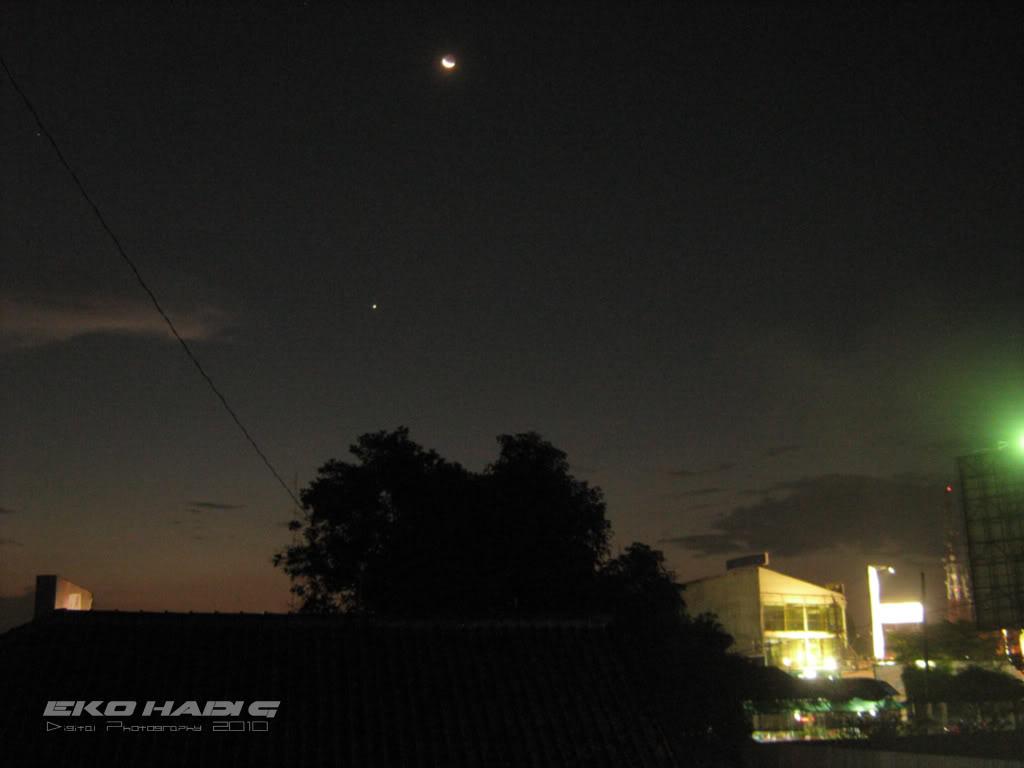Planet Venus tampak di sorehari setelah matahari terbenam