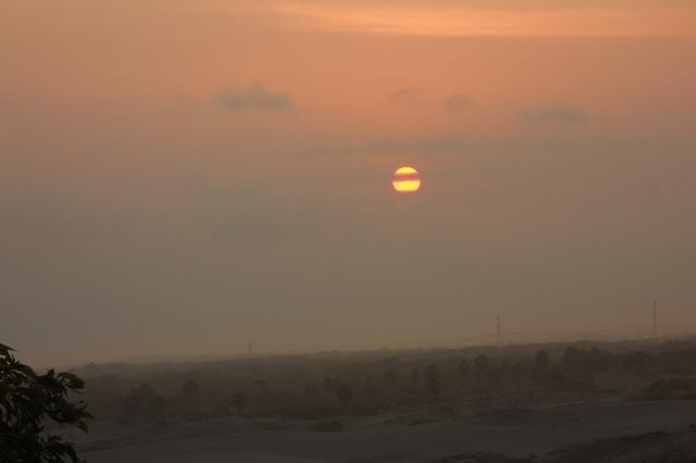 Sunset 29 Agustus dilihat dari POS POB Bela-Belu Kota Yogyakarta. Credit: Eko Hadi G