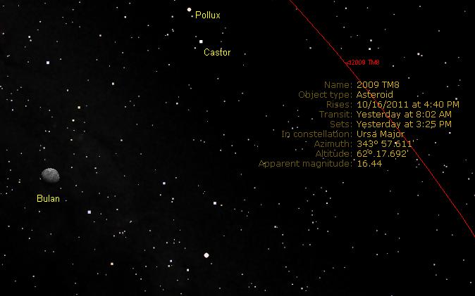 Asteroid 2009 TM8 di atas Honolulu, disimulasikan pada 17 Oktober 2011 pukul 01:09 waktu setempat dengan Starry Night.