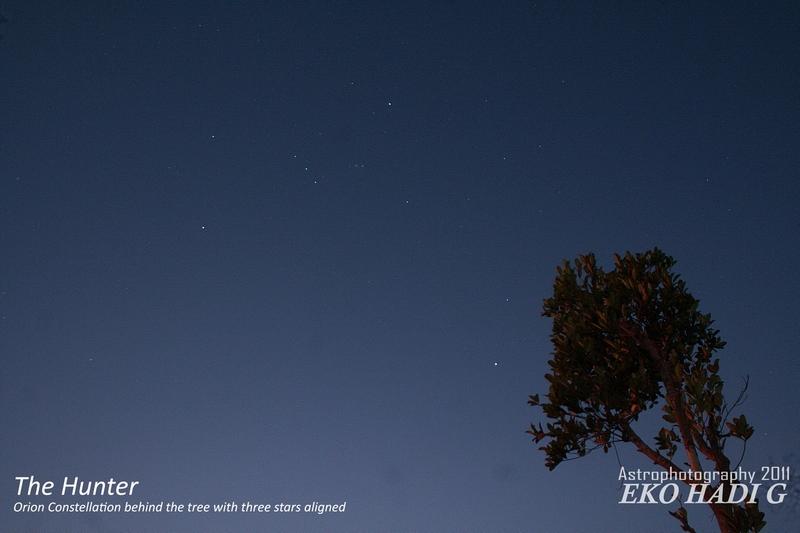 Rasi Orion/Waluku tampak dengan bintang tiga sejajar
