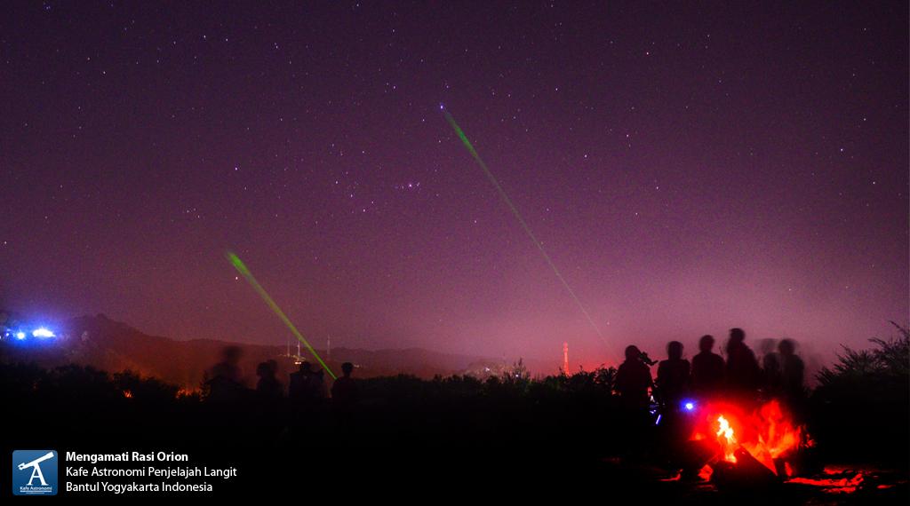 Klub Astronomi Penjelajah Langit mengamati bintang-bintang terang di rasi Orion. Sumber : Kafe Astronomi 2014.