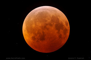 Gerhana Bulan Total 21 Desember 2010 oleh F Espenak. Sumber : http://www.mreclipse.com/
