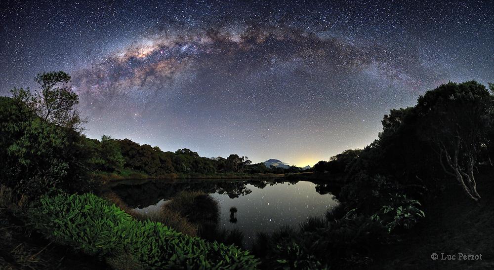 Galaksi Bimasakti. Kredit : Luc Perrot