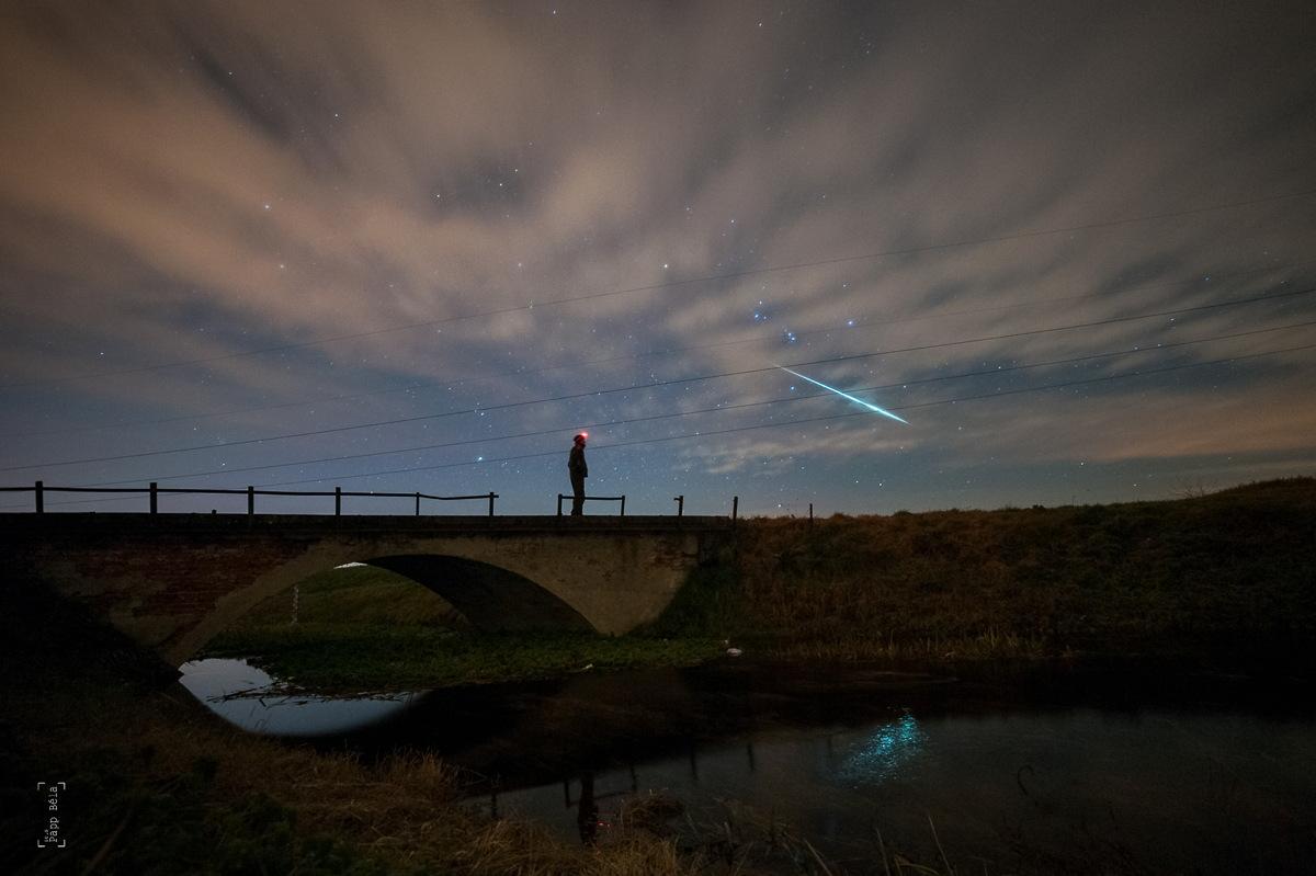 Meteor terang Geminids. Credit : Béla Papp