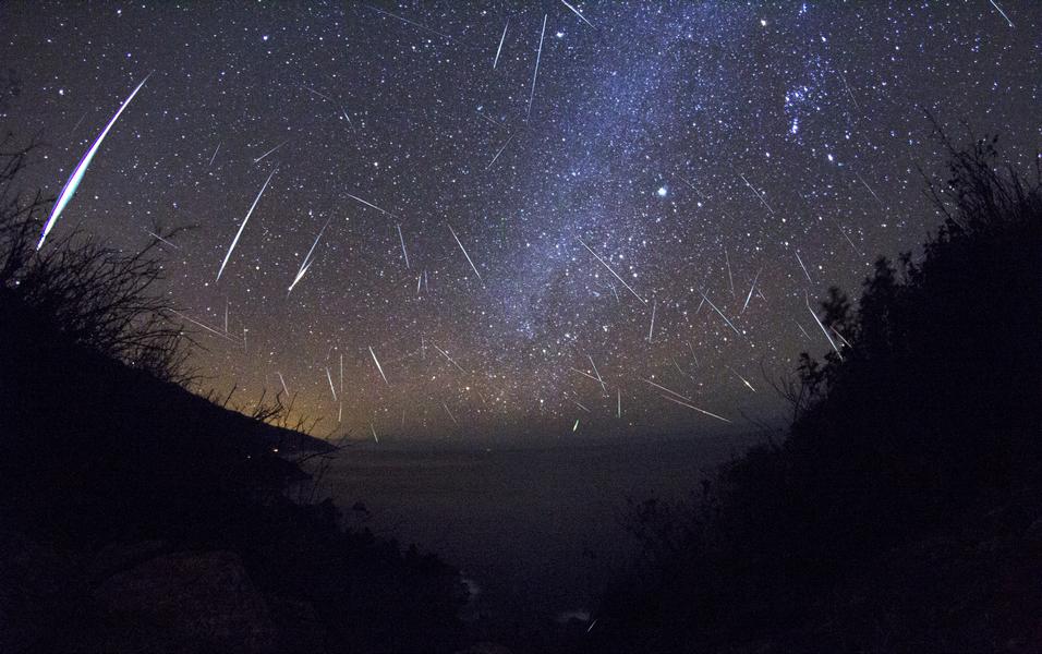 14 Desember 2015 Puncak Hujan Meteor Geminids