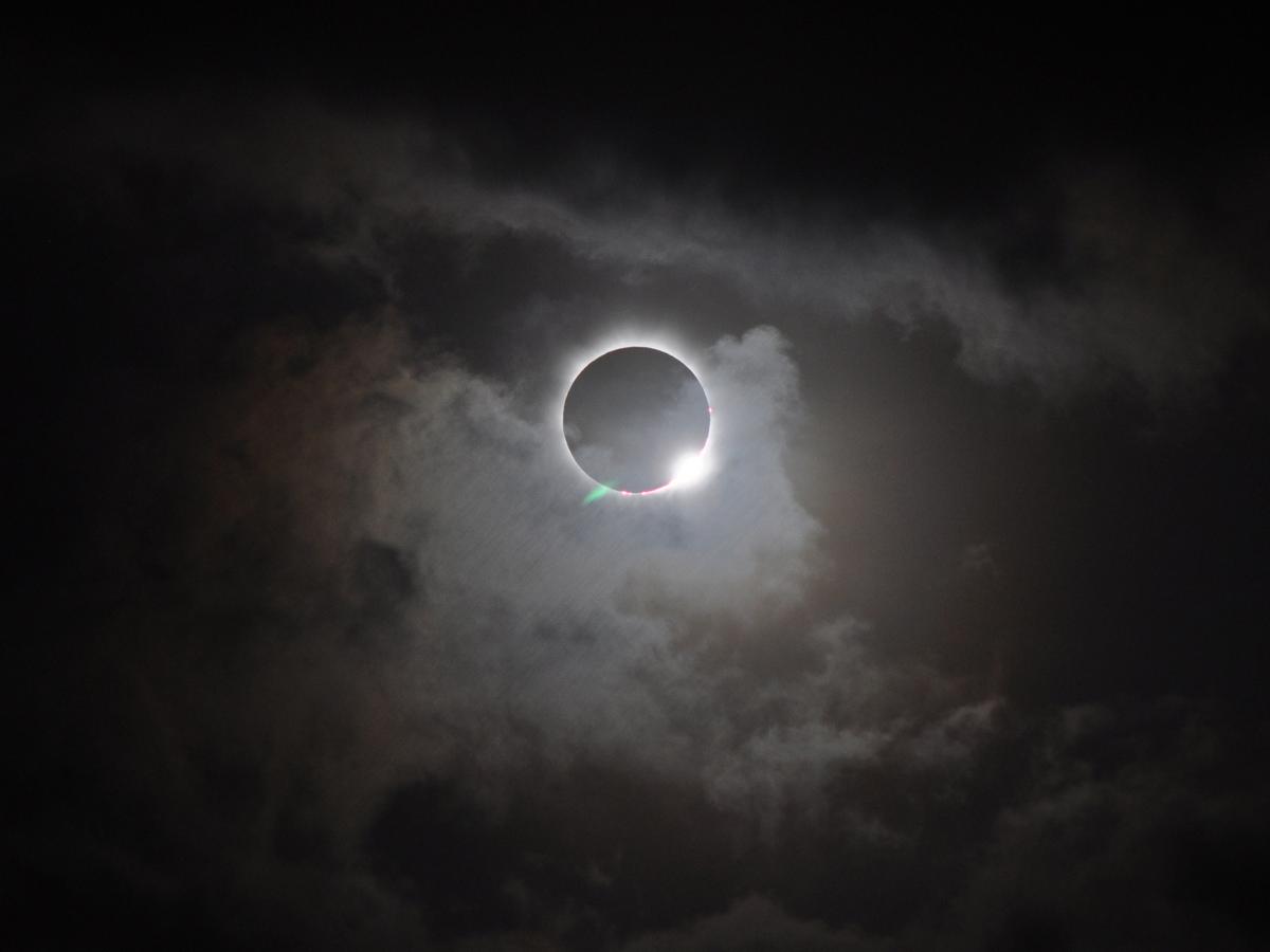 Potret Gerhana matahari total. Kredit : Romeo Durscher