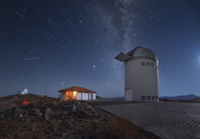 Kalender Astronomi Bulan April 2018
